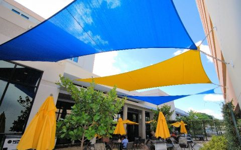 Lifestyle Glitz - Shade Sails 1