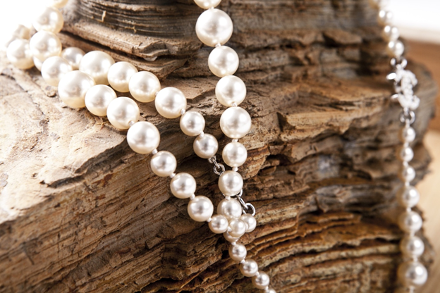 Lifestyle Glitz - types of pearls